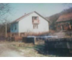 prodajem kucu i okucnicu u Bijelnik Petrinja