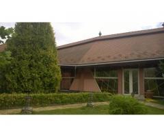 Kuća u Mađarskoj s ogromnom placu i jezera