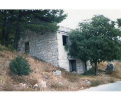 Prodaja stare samostojeće kuće