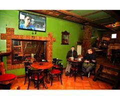 Traže se djelatnice za rad u caffe baru! Plaća 4 000 kn + stan 10 metara od kafića + prijava