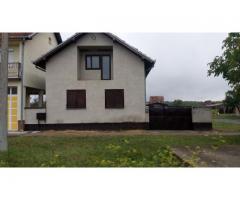 Prodajem kuću u Lipovcu (kod Vinkovaca)
