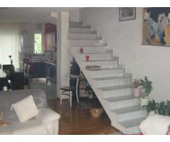 Rijeka-Prodajem dvoetažni stan i manji samostojeći stambeni objekt