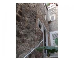 kamena kuća u Šibeniku