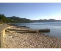 Otok Cres, Martinšćica, 40 m od plaže/mora mjesečni najam, PRILIKA!!!