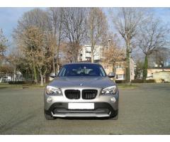BMW X1 sDrive18d 2011 god. Registriran godinu dana! Uredna servisna !