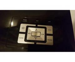 Prodajem BENQ projektor nov