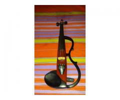 Na prodaju elektricna violina Yamaha sv120