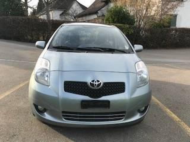Toyota Yaris 1.3, 2006, 137'900 km, 3500€ - 3/8