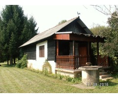 Prodajem drvenu vikendicu u Letovaniću