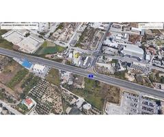 Prodaje se atraktivno zemljište u poslovnoj trgovačkoj zoni Split