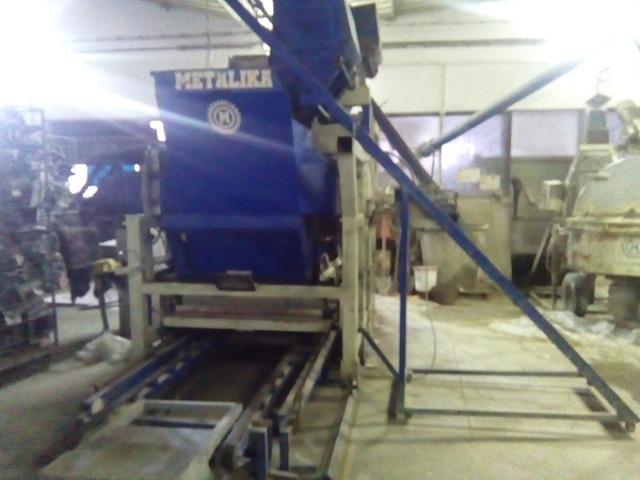 Masina za proizvodnju behaton ploca
