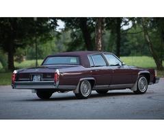 Najam američkih oldtimera - Cadillac Fleetwood Brougham 1985.