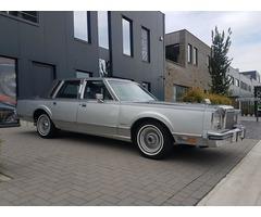 Najam američkih oldtimera - Lincoln Town Car 1983.