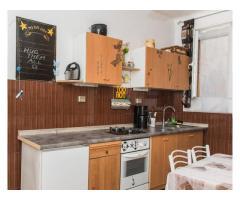 Iznajmljuje se apartman delux u centru Šibenika na duži period
